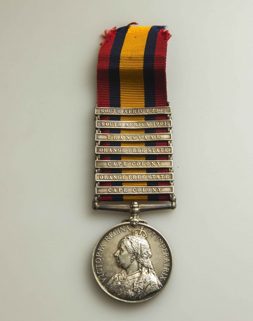 British Queen's South African Medal With 7 Bars
