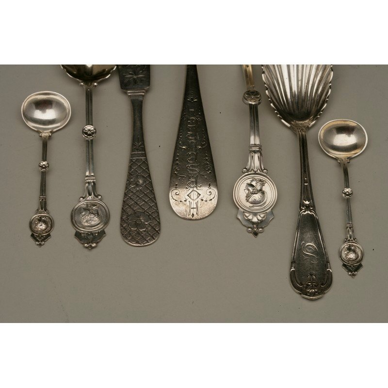 Seven Pieces Assorted Silver Flatware - 3