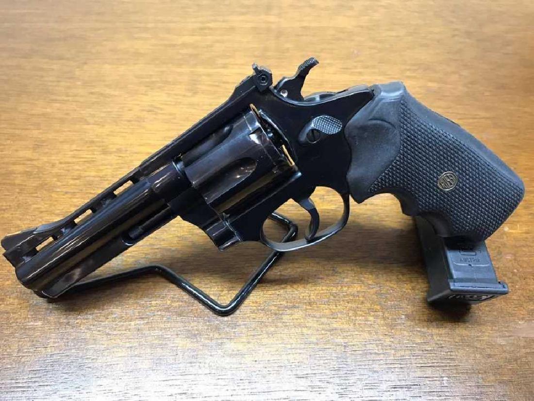 "Rossi .38 SPECIAL + P 6-SHOT Revolver 4"""