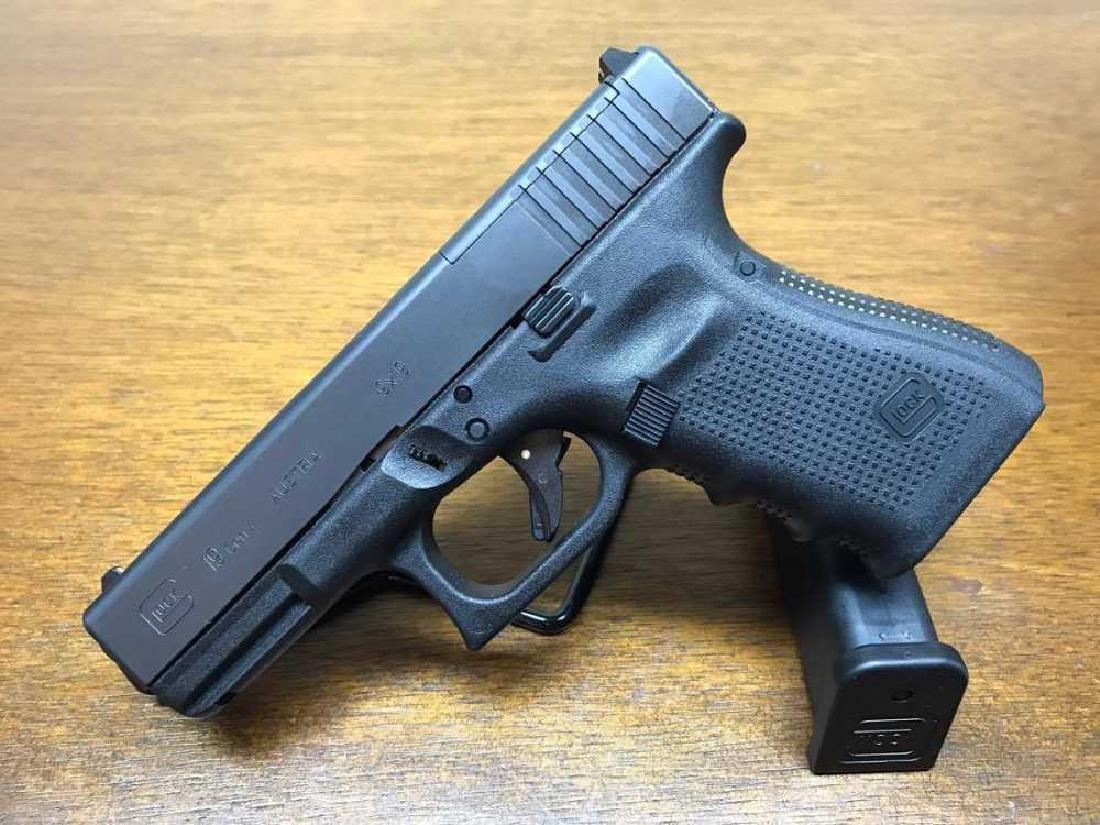 Glock 19 MOS Gen 4 9mm 3 mags.