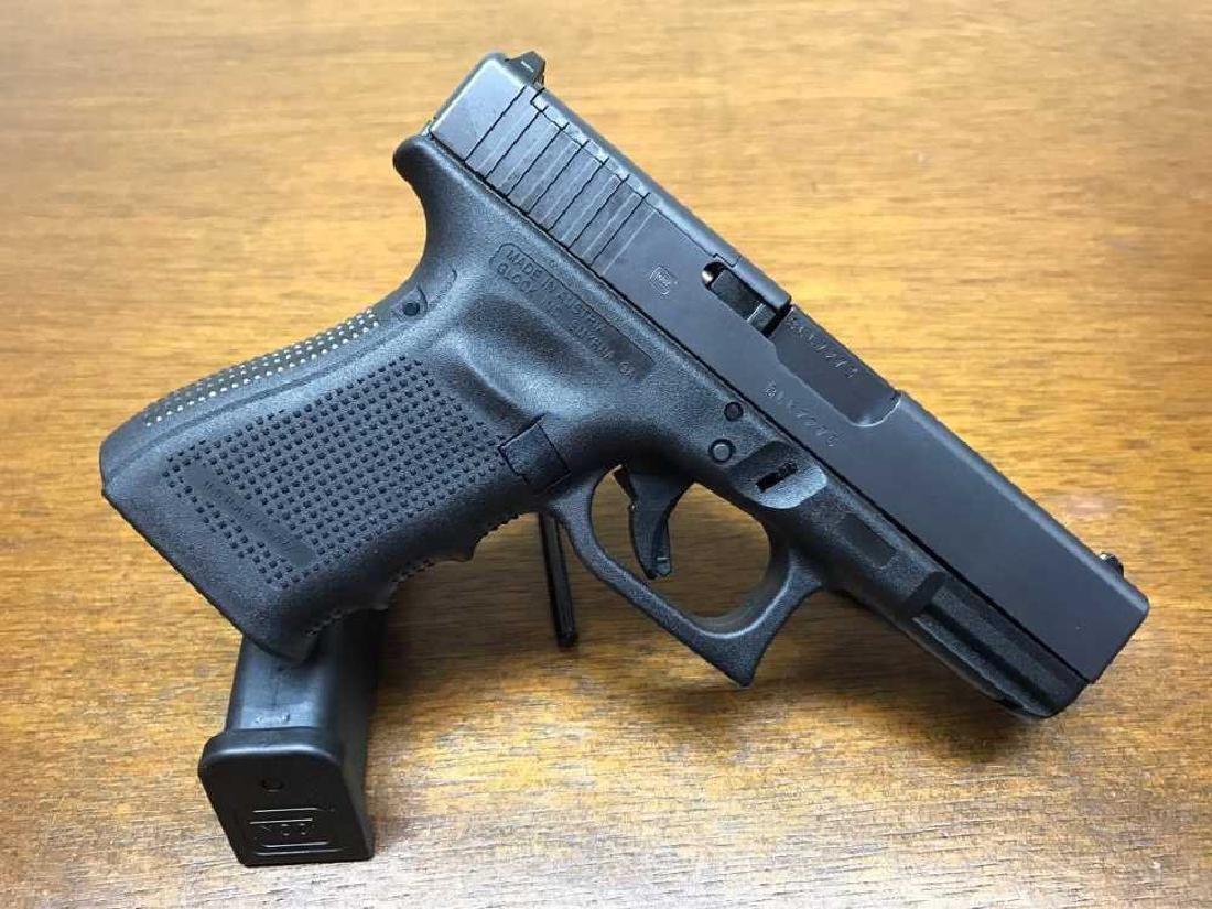 Glock 19 MOS Gen 4 9mm 3 mags. - 2