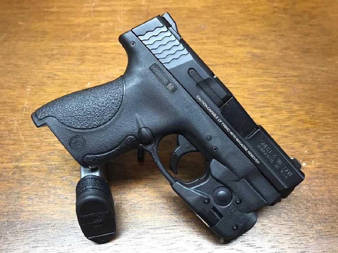 Smith & Wesson M&P Shield 9mm - 2