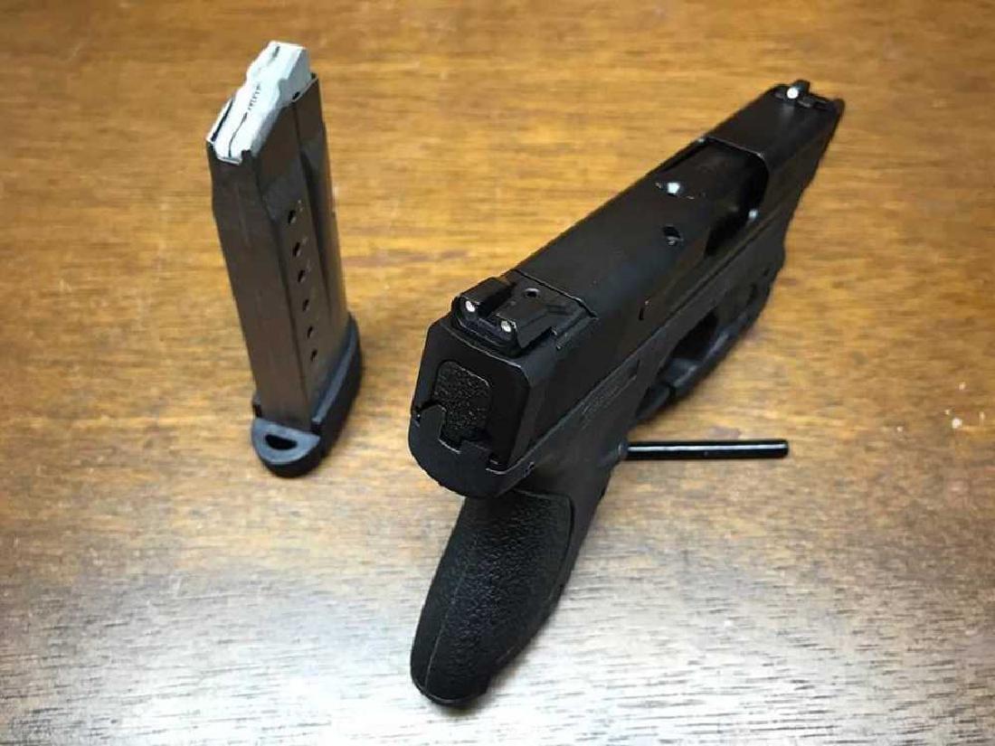 Smith & Wesson M&P Shield 9mm - 3