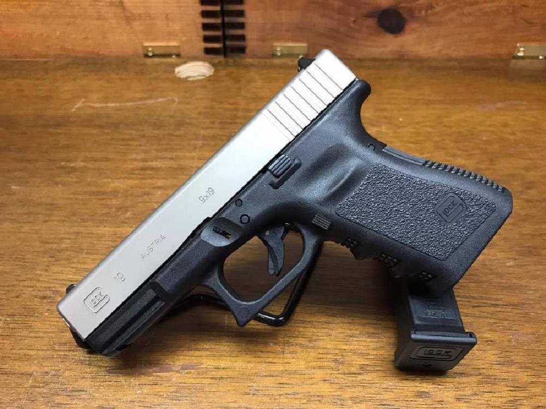 Glock 19 Gen 3 NIB-X with 2 Mags