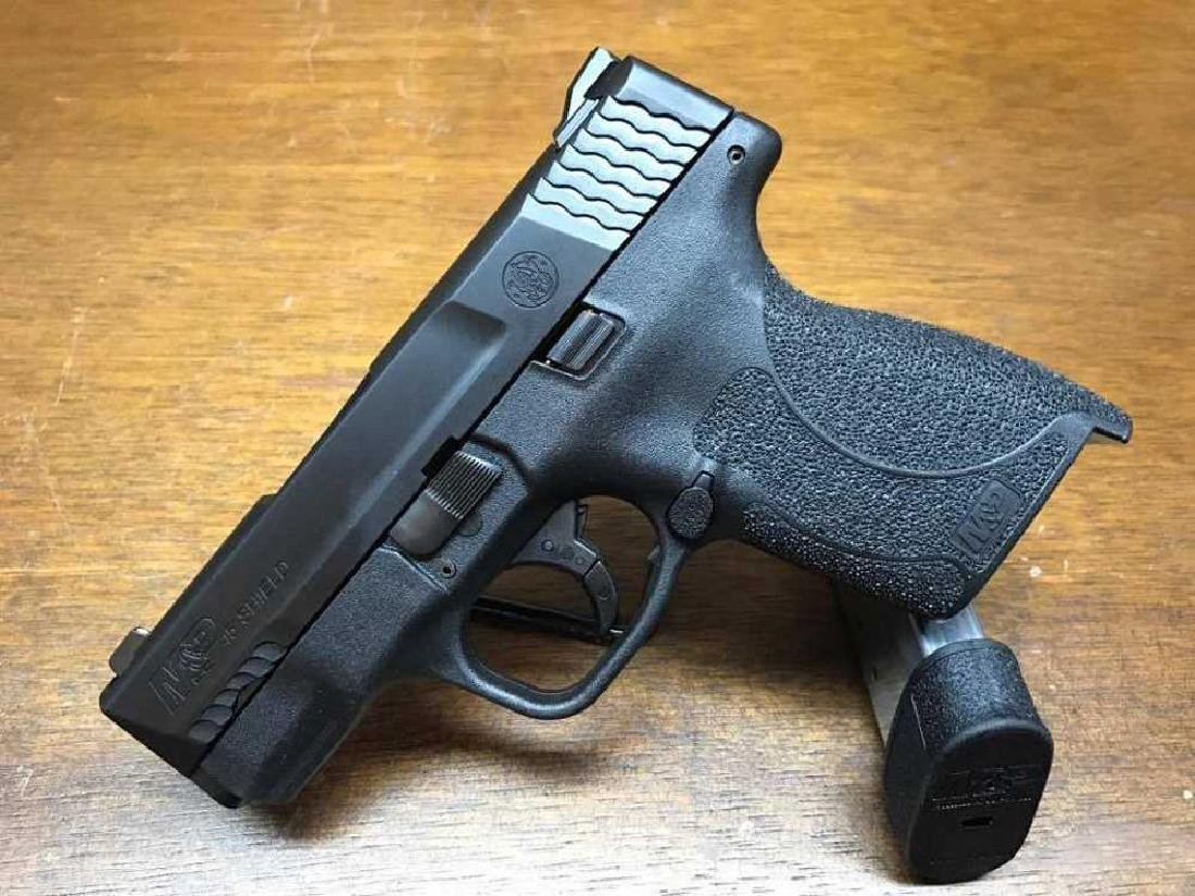 Smith & Wesson M&P Shield .45 acp with No Safety