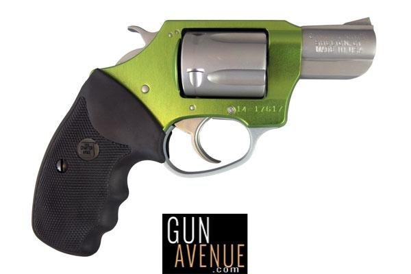Charter Arms Revolver: Double ActionShamrock|Undercover