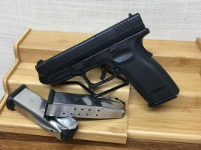 """Springfield Xd 4"""" Full Size Model With 3 Mags"""