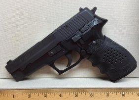 Sig Sauer P226 9mm Semi Auto Pistol Extra Magazines