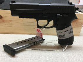 Sig Sauer P320 Compact 9mm 2 Mags