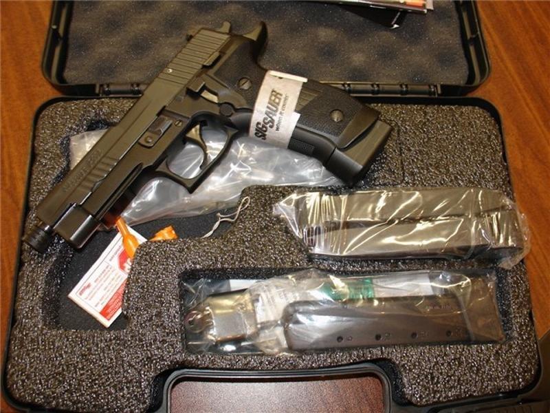 Sig Sauer P226 9mm Tac Ops Threaded Barrel w/4 20 rd