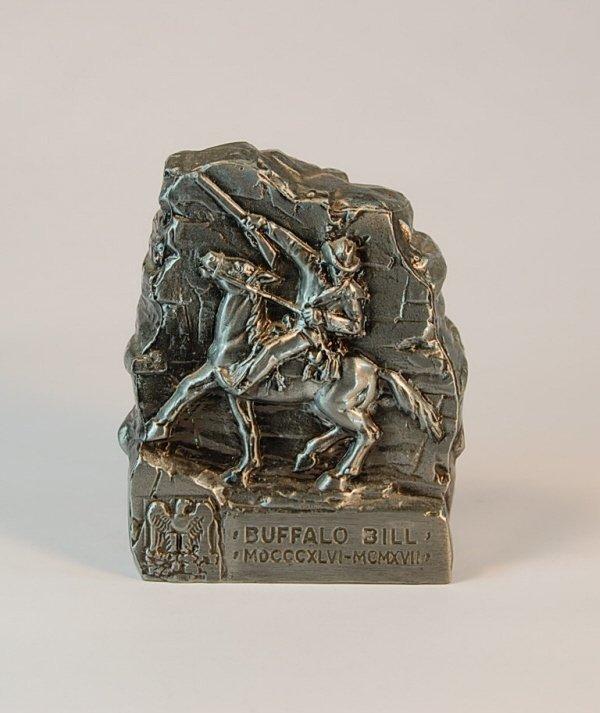 "13: ""Buffalo Bill"" monument bank"