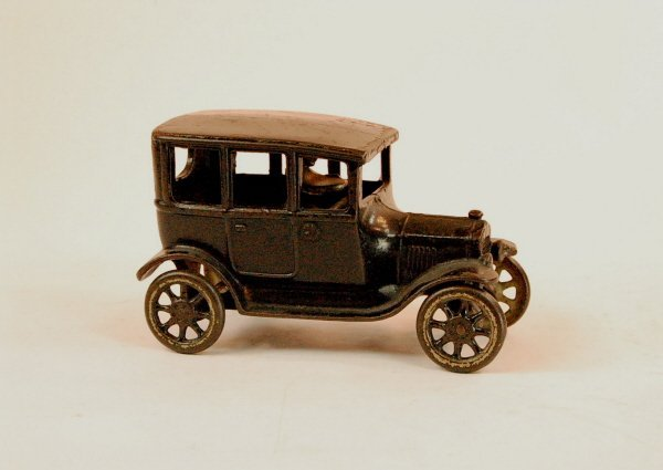418: Early Automotive toy:  Center-door Model T