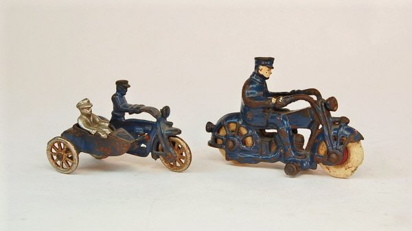 419: Motorcycle Cop & Motorcycle Cop with Sidecar
