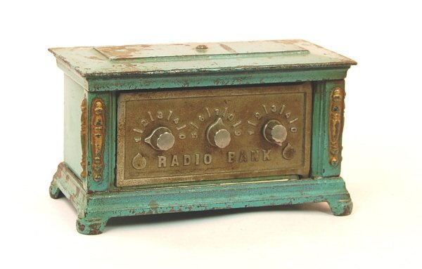 23: Large 3-dial Radio bank