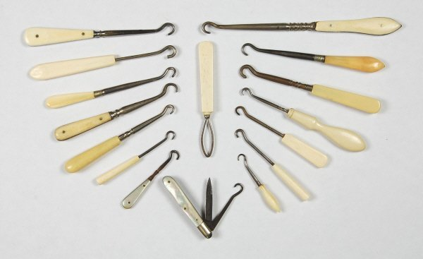 2: Lot of 16 Buttonhooks