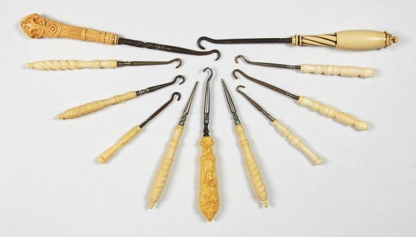8: Lot of 11 carved Buttonhooks