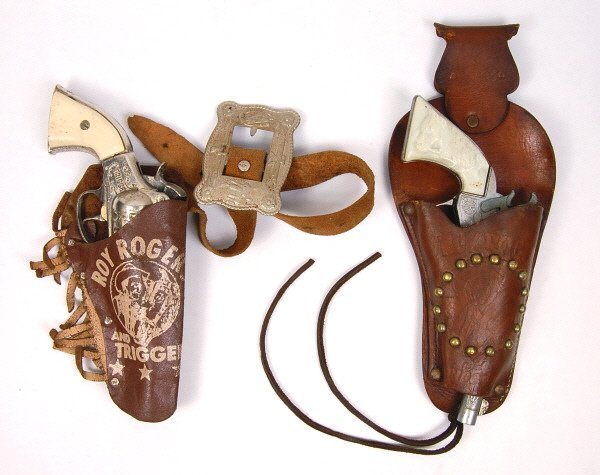 20: Lot of 2 Roy Rogers Cap Guns & Holsters