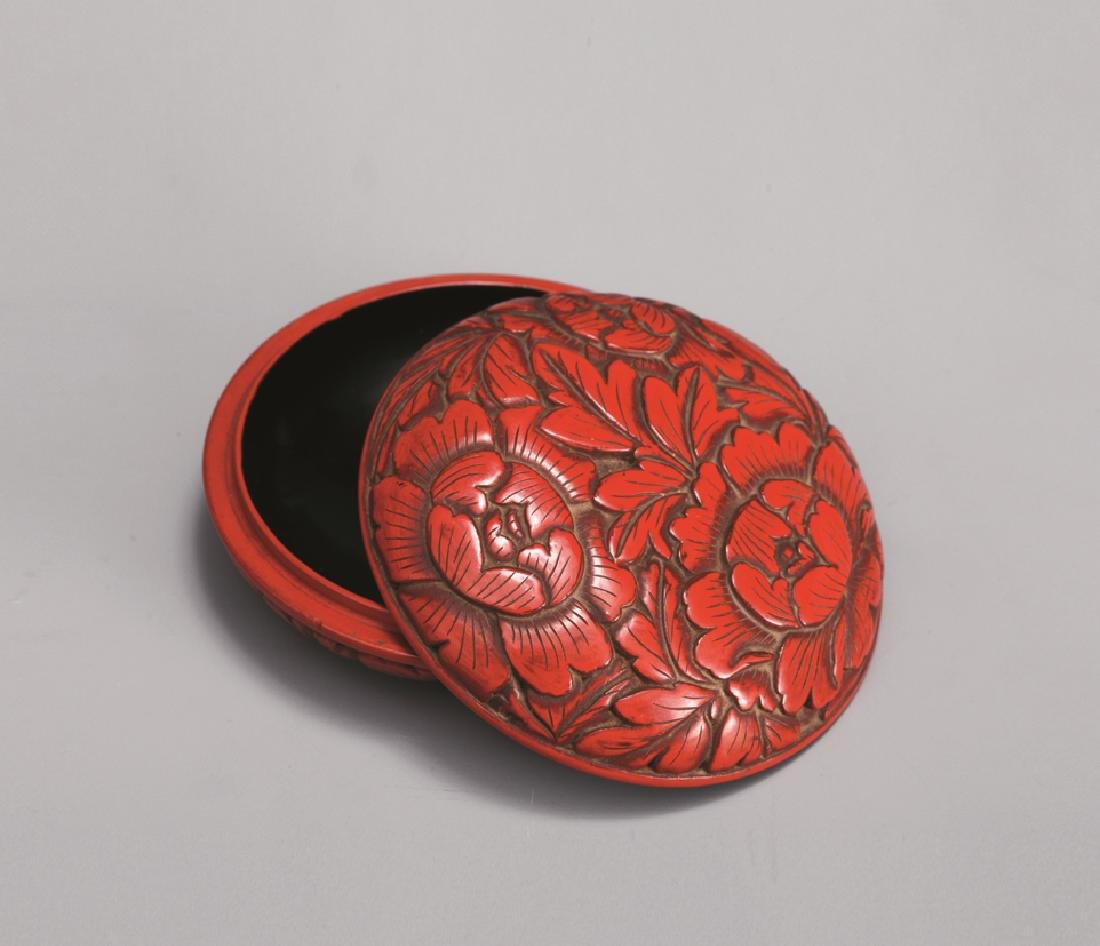 QING DYNASTY LACQUERWARE FLOWER BOX