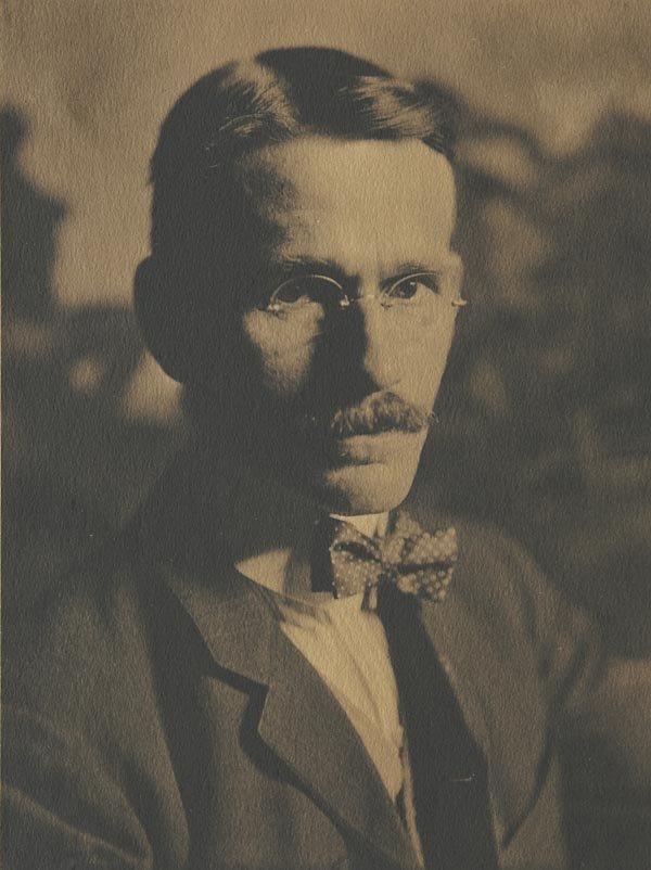 61:  GERTRUDE  KÄSEBIER  1852-1934  Portrait of Ar