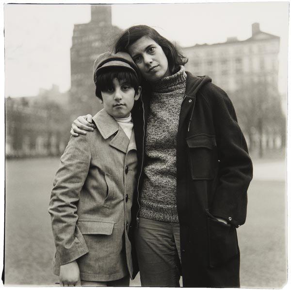 189:  DIANE  ARBUS  1923-1971  Writer Susan Sontag with