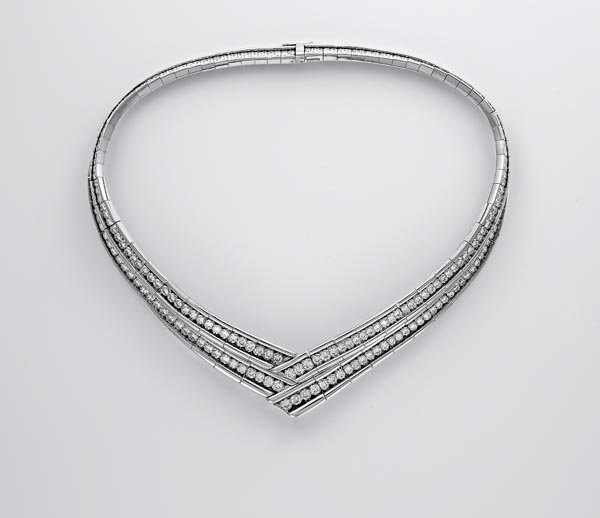 14:    POIRAY    A Diamond Necklace   Designed as two g