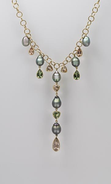 18:        A Cultured Pearl and Tourmaline Necklace  Co