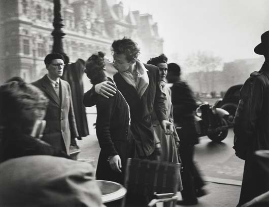 320: ROBERT DOISNEAU, 1912-1994 Le baiser de L'Hotel de