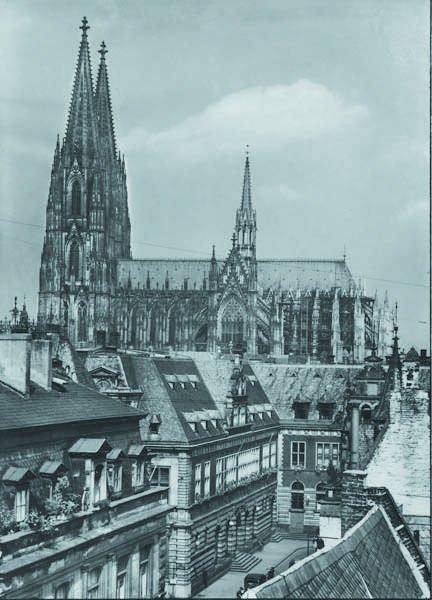 109: AUGUST SANDER, 1876-1964 Kolner Dom und Standehaus