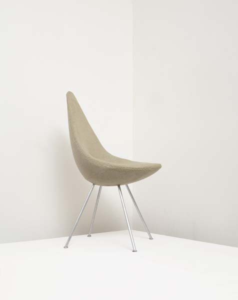 "18: ARNE JACOBSEN, 1902-1971 ""Drop"" chair, designed 195"