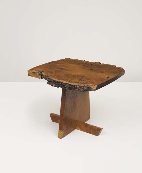 20: GEORGE NAKASHIMA, 1905-1990 Fine end table, 1987 Bu