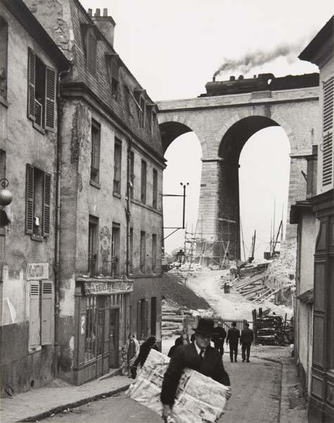 1001: ANDRE KERTESZ, 1894-1985 Meudon, 1928 Gelatin sil