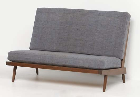 19: GEORGE NAKASHIMA, 1905-1990 Spindle-back settee, de