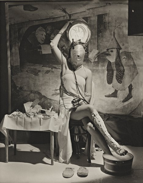 22: HORST P. HORST, Electric Beauty, Paris, 1939