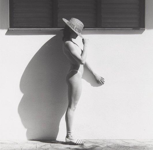 10: ROBERT MAPPLETHORPE, Lisa Lyon, 1982