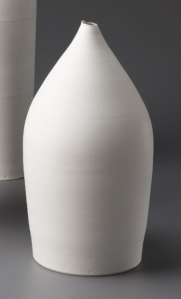 10: TAIZO KURODA, Vase with pointed neck, 2006