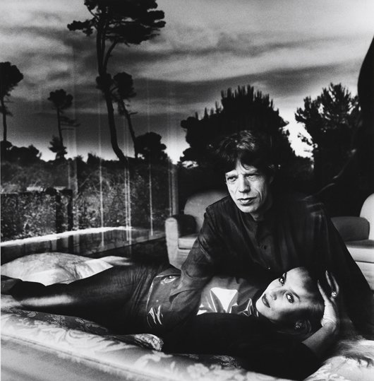 11: HELMUT NEWTON, Mick Jagger and Jerry Hall, Cap d'An