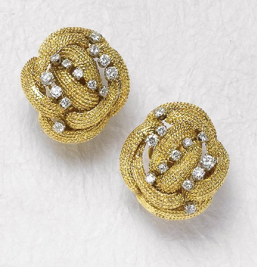 23: DAVID WEBB, A Pair of Gold and Diamond Earclips