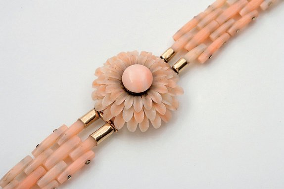 8:  A MID VICTORIAN 'ANGEL SKIN' CORAL BRACELET, CIRCA