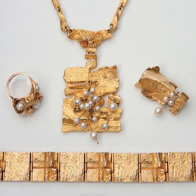 179:  A GROUP OF FOUR FINNISH JEWELS, CIRCA 1970, THE N