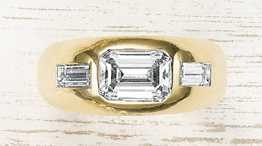8: FRED LEIGHTON, A Diamond and Yellow Gold Ring