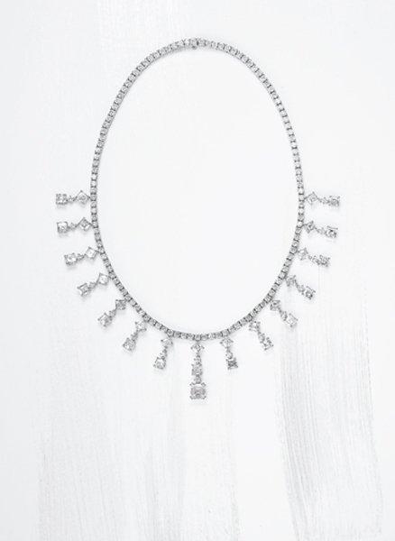 163: , A Magnificent Diamond Necklace