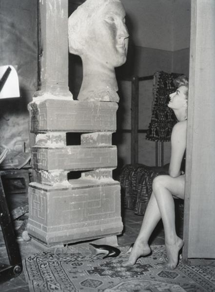 12: GIANNI PENATI, Sophia Loren a Villa Ada, 1953