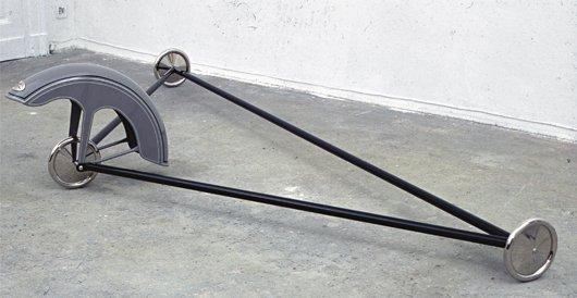 24: GIANNI PIACENTINO, Black Triangle Vehicle With Gray
