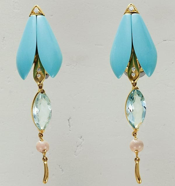 1: A PAIR OF TURQUOISE, AQUAMARINE AND CORAL EARCLIPS -