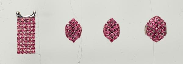 8: A PAIR OF PINK SAPPHIRE EARCLIPS, RING AND MATCHING