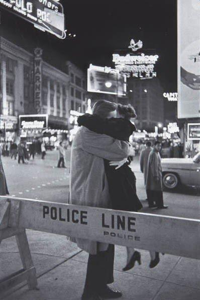 4: HENRI CARTIER-BRESSON, Couple Embracing (Police Line