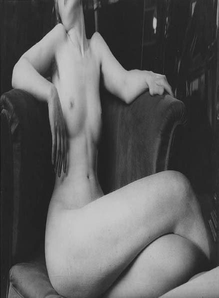 187: ANDRÉ KERTÉSZ, Distortion #6, Paris, 1933