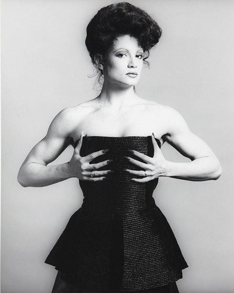 8: ROBERT MAPPLETHORPE, Lisa Lyon, 1982