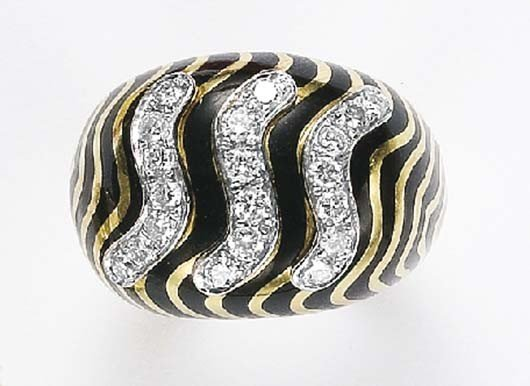 4: DAVID WEBB, An Enamel, Diamond and Gold Ring
