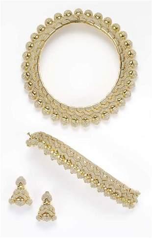 206: BULGARI, A Suite of Diamond Jewelry